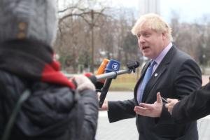 Μπόρις Τζόνσον: Στηρίζω Μέι αλλά όχι το σχέδιο της για το Brexit