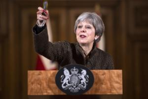 Brexit: Συσπείρωση στο σχέδιο της ζήτησε από τους Συντηρητικούς η Μέι