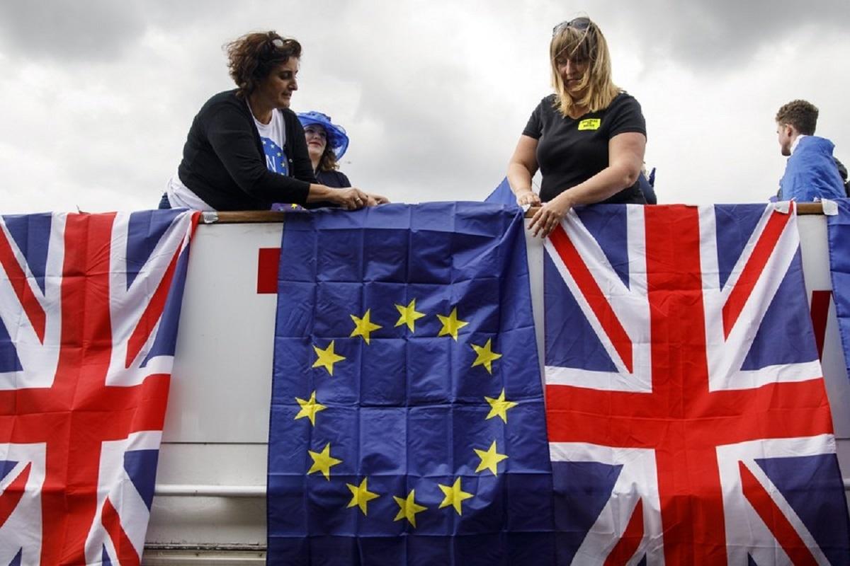 Τρέμουν ένα άτακτο Brexit