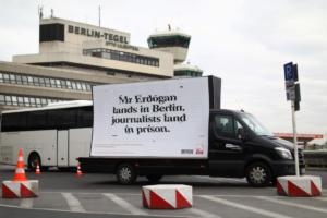 Ανεπιθύμητος ο Ερντογάν στο Βερολίνο – Απαξίωση και οργή [pics]