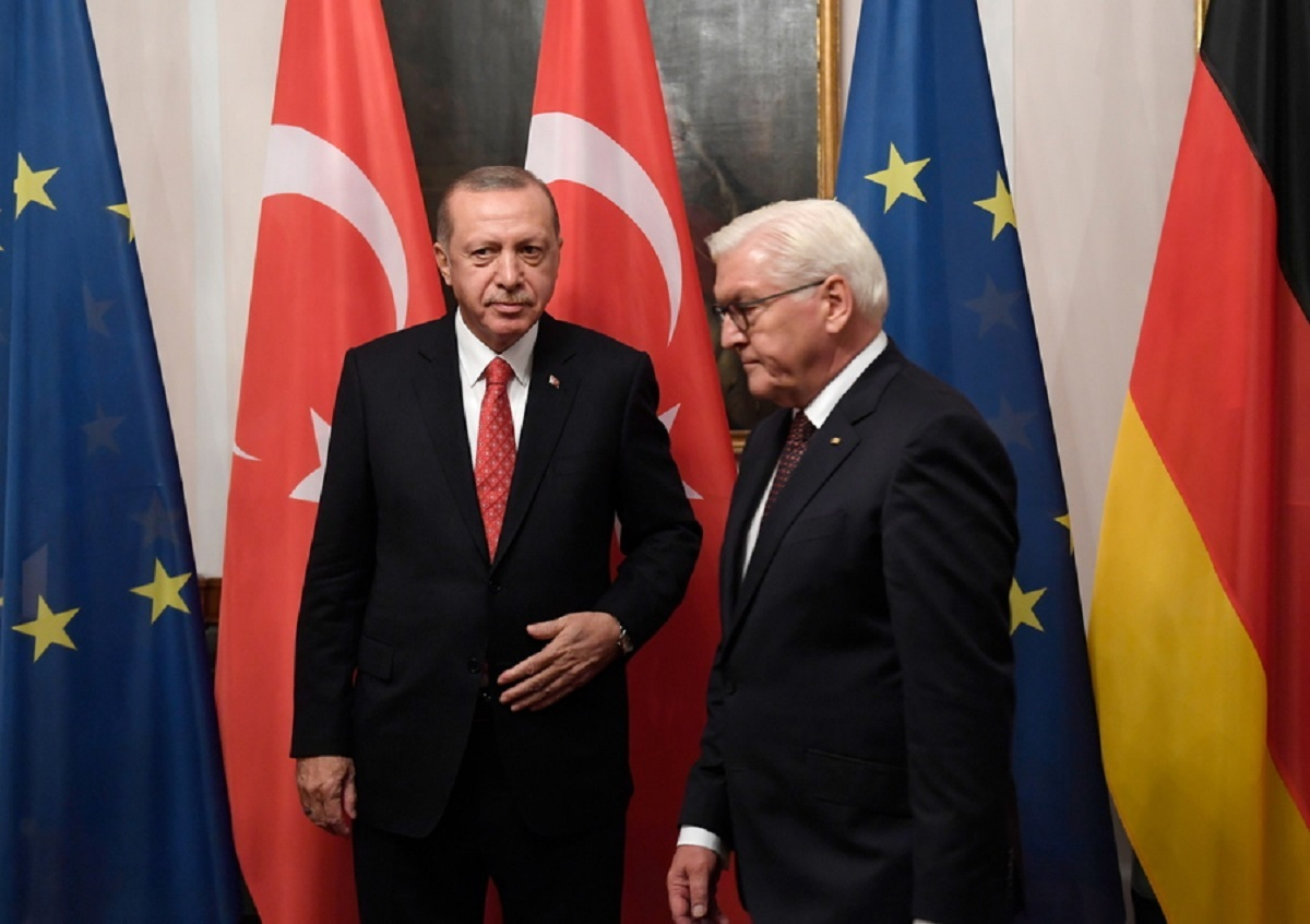 """""""Ευχαριστώ"""" Ερντογάν στη Γερμανία αλλά με αιχμές για ρατσισμό κατά του Οζίλ!"""
