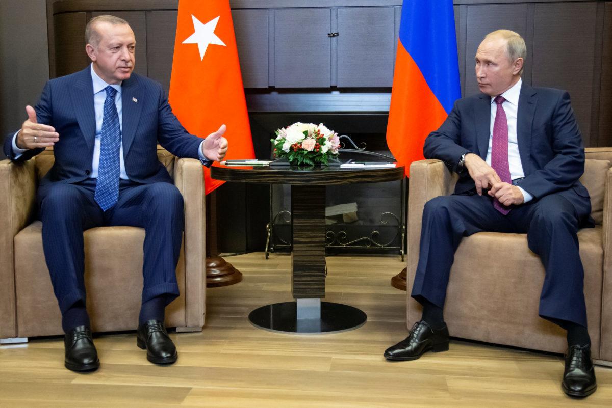 Με πέντε υπουργούς στο Σότσι ο Ερντογάν – Σε εξέλιξη η συνάντηση με Πούτιν [pics]