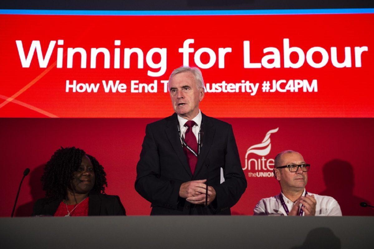 Brexit: Εθνικοποιήσεις και αριστερό πρόγραμμα παρουσίασε το Εργατικό Κόμμα
