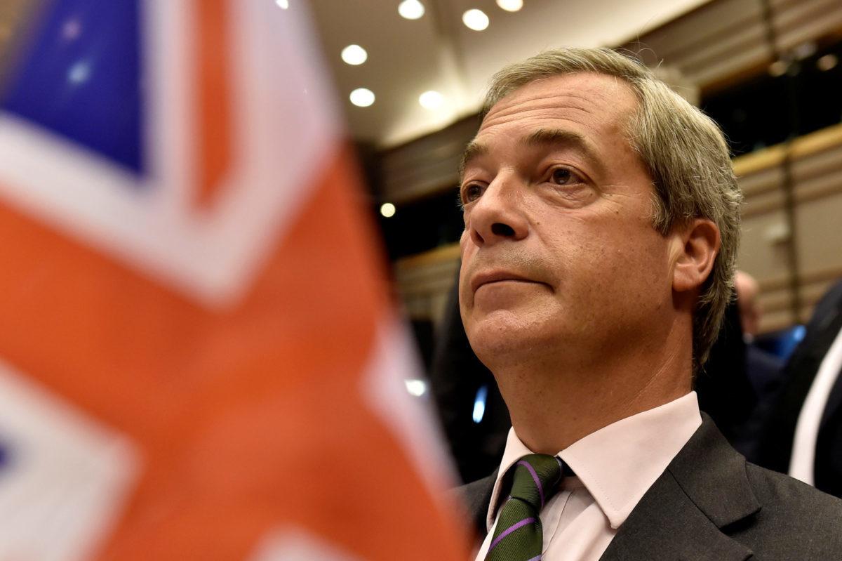Στα αζήτητα ο Φάρατζ – Κανείς δεν θέλει πίνακα με τον Mr Brexit