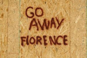Υποβαθμίστηκε ο κυκλώνας Φλόρενς – Παραμένει ο κίνδυνος για καταστροφές