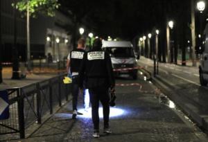 Τρόμος στο Παρίσι! Οπλισμένος με μαχαίρι και σιδηρολοστό τραυμάτισε επτά ανθρώπους – video