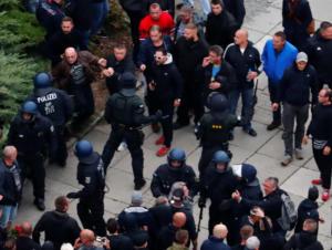 Γερμανός υπουργός Εξωτερικών: Ο φασισμός είναι εδώ! Σηκωθείτε από τους καναπέδες σας