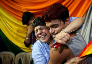 Ιστορική απόφαση: Αποποινικοποιήθηκε η ομοφυλοφιλία στην Ινδία