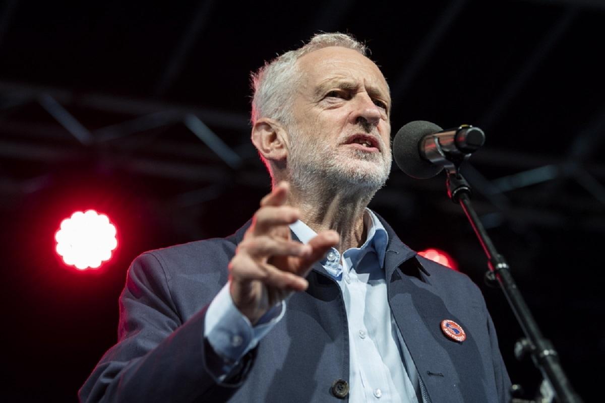 Brexit: Το Εργατικό Κόμμα δεν ψηφίζει συμφωνία βασισμένη στο σχέδιο Τσέκερς