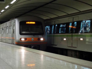 Διακοπή δρομολογίων στη γραμμή 2 του Μετρό – Άνθρωπος έπεσε στις γραμμές