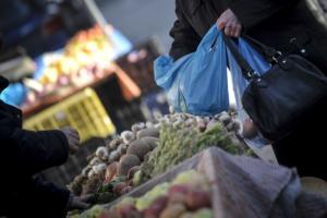 10,7 εκατομμύρια ευρώ από την πλαστική σακούλα! «Θα επιστραφούν στους πολίτες»