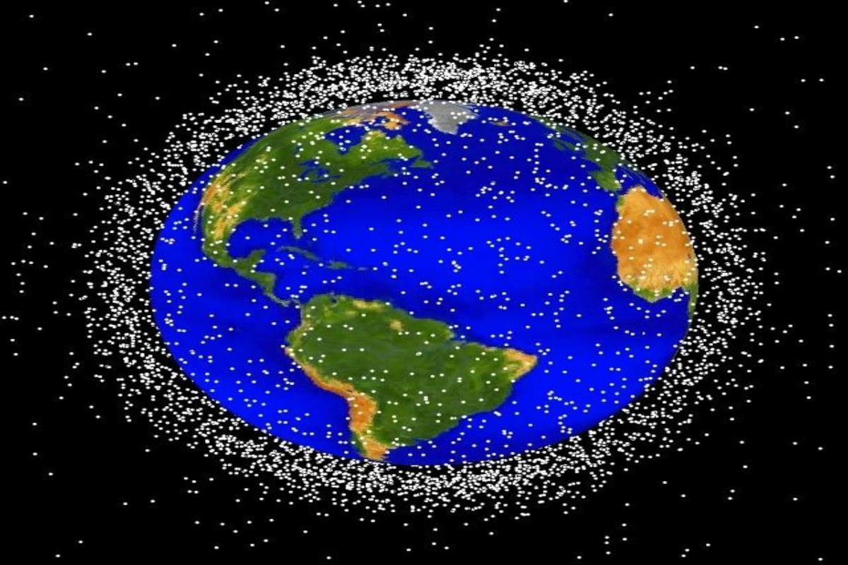 Χιλιάδες τα διαστημικά σκουπίδια που απειλούν τη Γη! Από δορυφόρους «ζόμπι» μέχρι θραύσματα – video