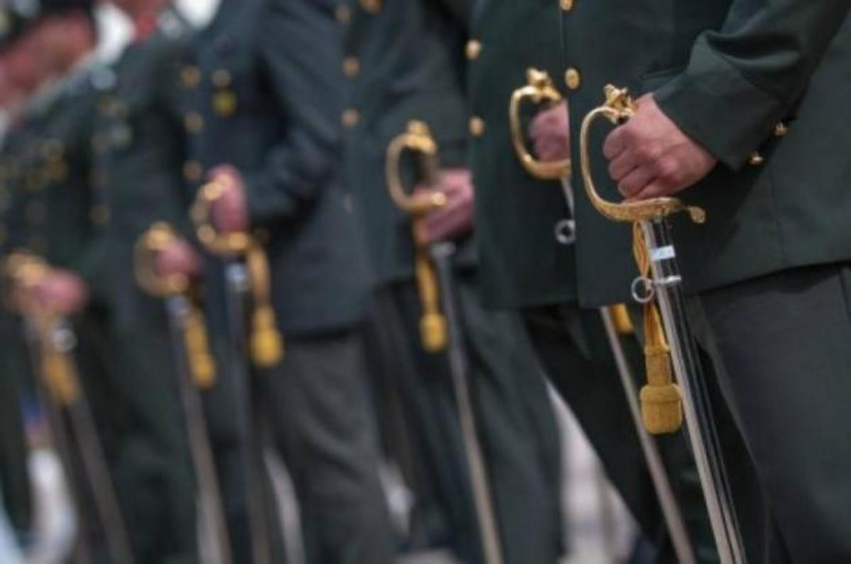 Αναδρομικά σε μισθούς – Αυξήσεις σε συντάξεις: Στρατιωτικοί, Αστυνομικοί, Πυροσβέστες, Λιμενικοί θα πάρουν χιλιάδες ευρώ
