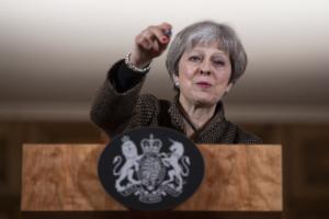 """""""Απασφάλισε"""" η Μέι – Καλύτερα ένα Brexit χωρίς συμφωνία παρά η προσφορά της ΕΕ"""