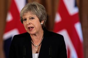 Brexit – Μέι: Ραγδαίες εξελίξεις! Αναμένονται παραιτήσεις υπουργών