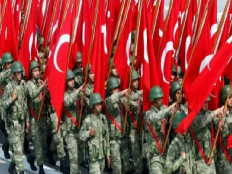 Μισό εκατομμύριο Τούρκοι θέλουν να αποφύγουν το Στρατό!