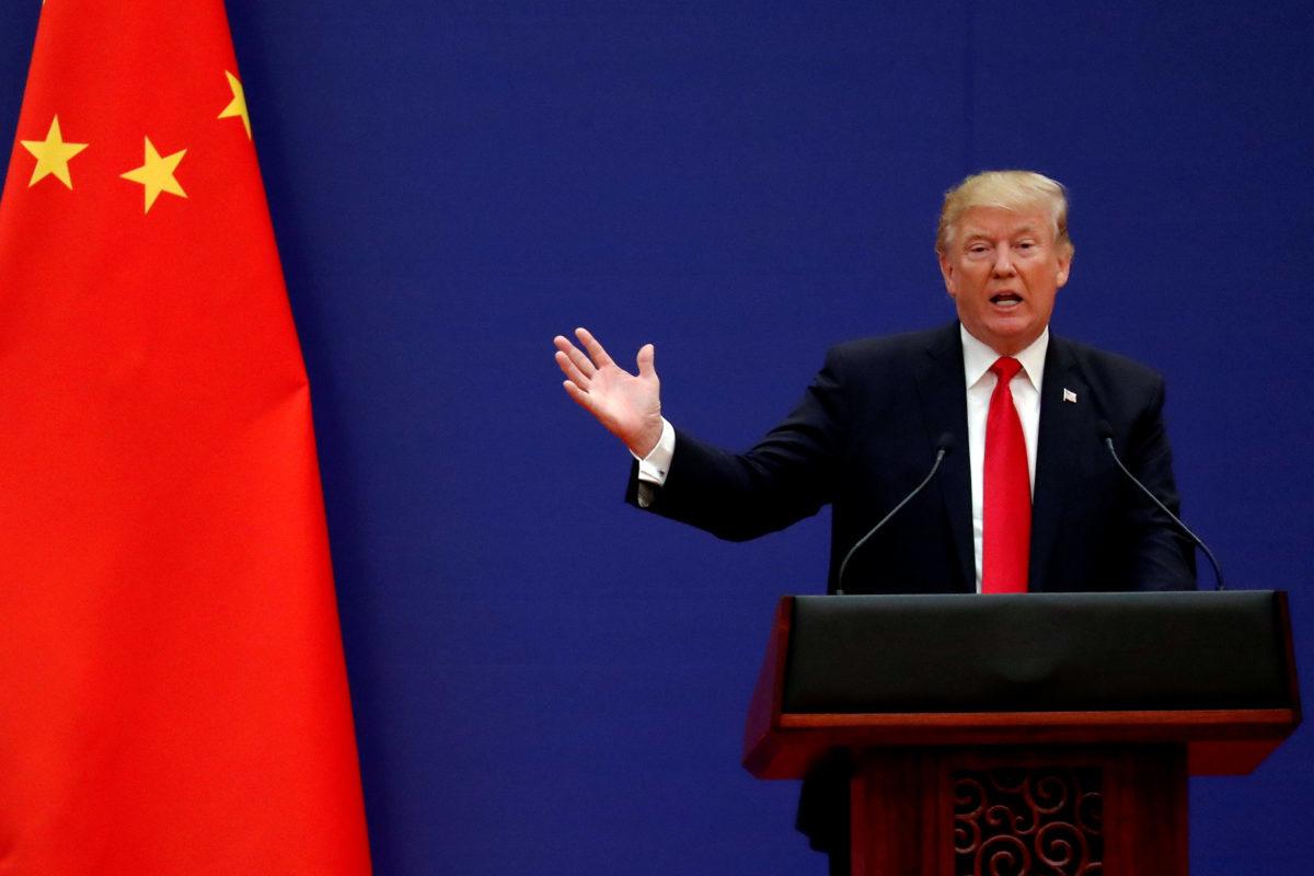 Δεν το βάζει κάτω ο Τραμπ! Νέοι δασμοί 200 δισ. στην Κίνα με εξαίρεση την… Apple