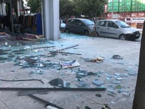 Έκρηξη στον Βύρωνα – Διέλυσαν κατάστημα για να διαρρήξουν ΑΤΜ – Βομβαρδισμένο τοπίο