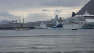 Χανιά: Γέμισε κρουαζιερόπλοια το λιμάνι της Σούδας [pics]