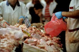Μάζεψαν άρον άρον 1 τόνο φιλέτα κοτόπουλου από την αγορά