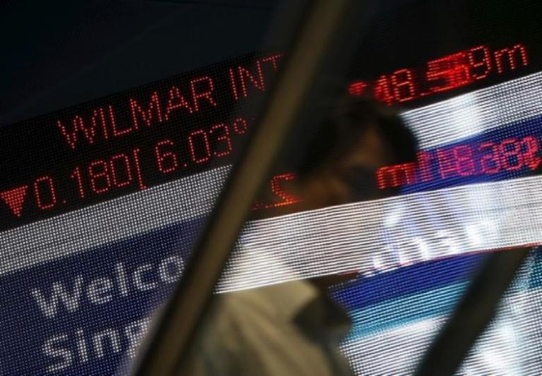 Οι αγορές στέλνουν την Ελλάδα στο καναβάτσο – Ισχυρές πιέσεις για μετοχές και ομόλογα – Κρίσιμη η σημερινή ημέρα