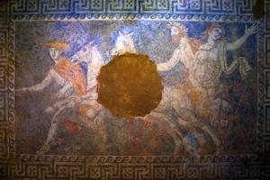 Ξενάγηση στα άδυτα του ταφικού μνημείου στην Αμφίπολη
