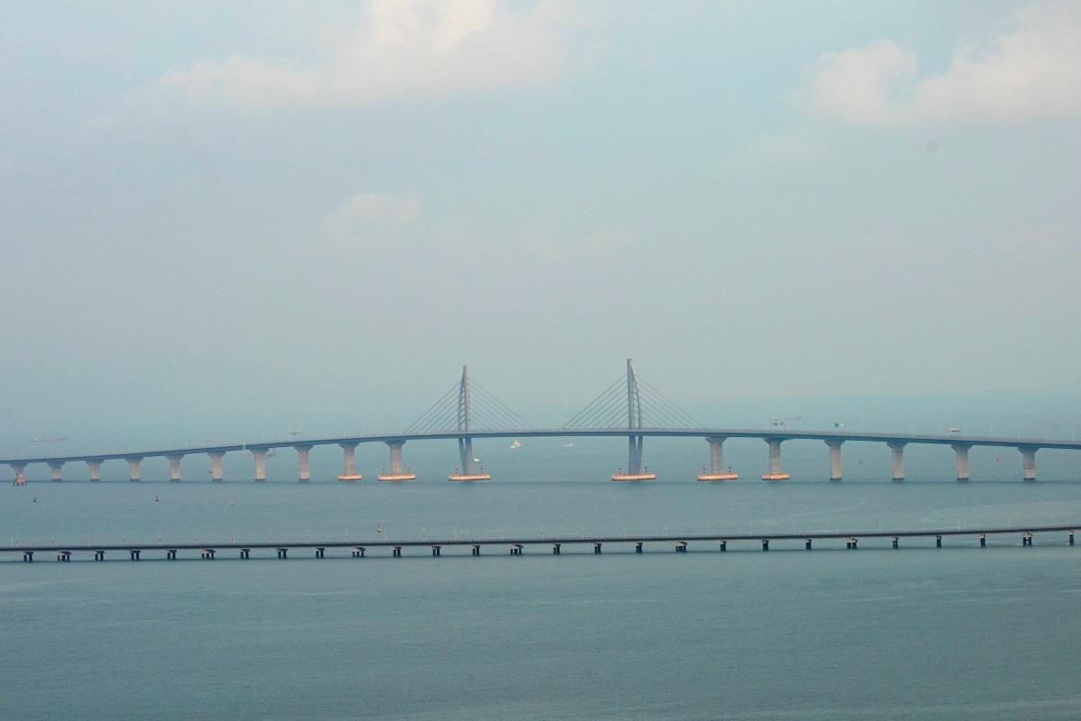 Σοκ και δέος! Αυτή είναι η μακρύτερη θαλάσσια γέφυρα στον κόσμο! [pics]