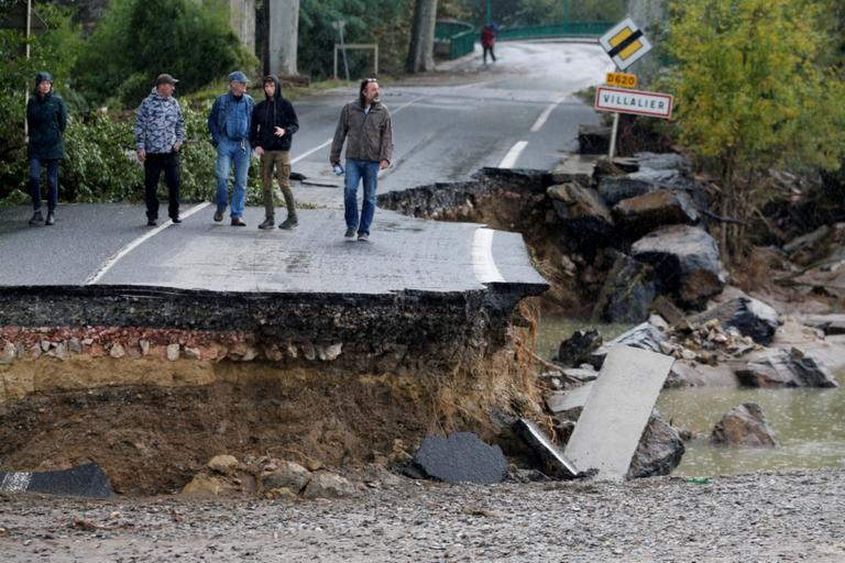 Φονικές πλημμύρες στη Γαλλία: 11 νεκροί, 3 αγνοούμενοι