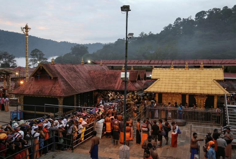 Απειλούν με αυτοδικία αν μπουν γυναίκες σε ινδουιστικό ναό