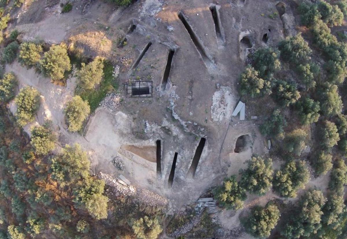 Στο φως ασύλητος θαλαμοειδής τάφος στη Νεμέα – Εντυπωσιακές εικόνες [pics]