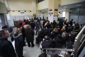 """ΟΑΕΔ: """"Εκτίναξη"""" της ανεργίας κατά 3,5 μονάδες τον Οκτώβριο"""