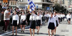 Άργος: Συγκίνηση στη μαθητική παρέλαση – Τα στιγμιότυπα που συζητήθηκαν [pics, video]