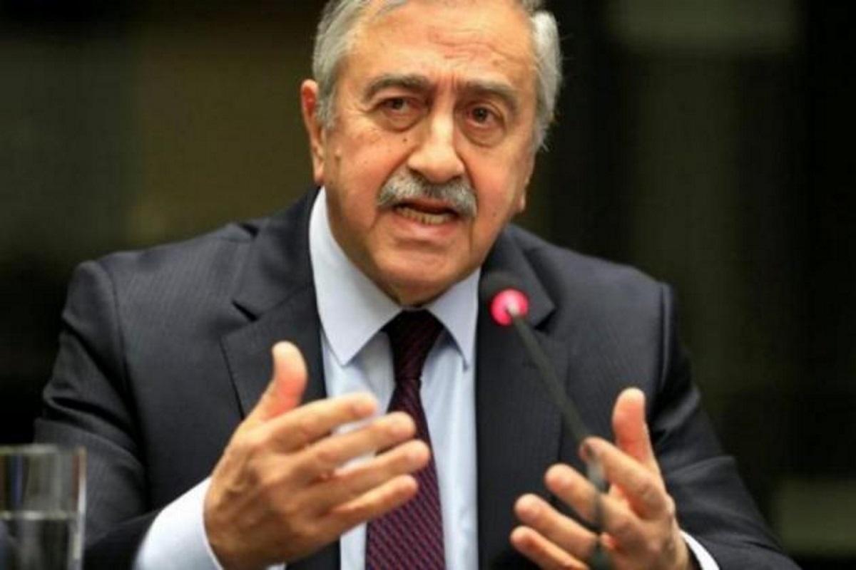 Ορθώνει ανάστημα ο Ακιντζί! Ξέκοψε στον Τσαβούσογλου ως μόνη λύση την Ομοσπονδία για την Κύπρο!