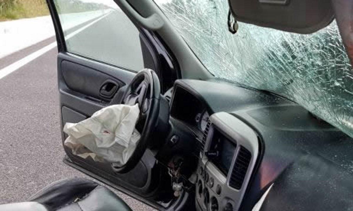 Λαμία: Σκοτώθηκε ανηψιός επιχειρηματία σε φοβερό τροχαίο – Ακαριαίος θάνατος στο αυτοκίνητό του [pics]