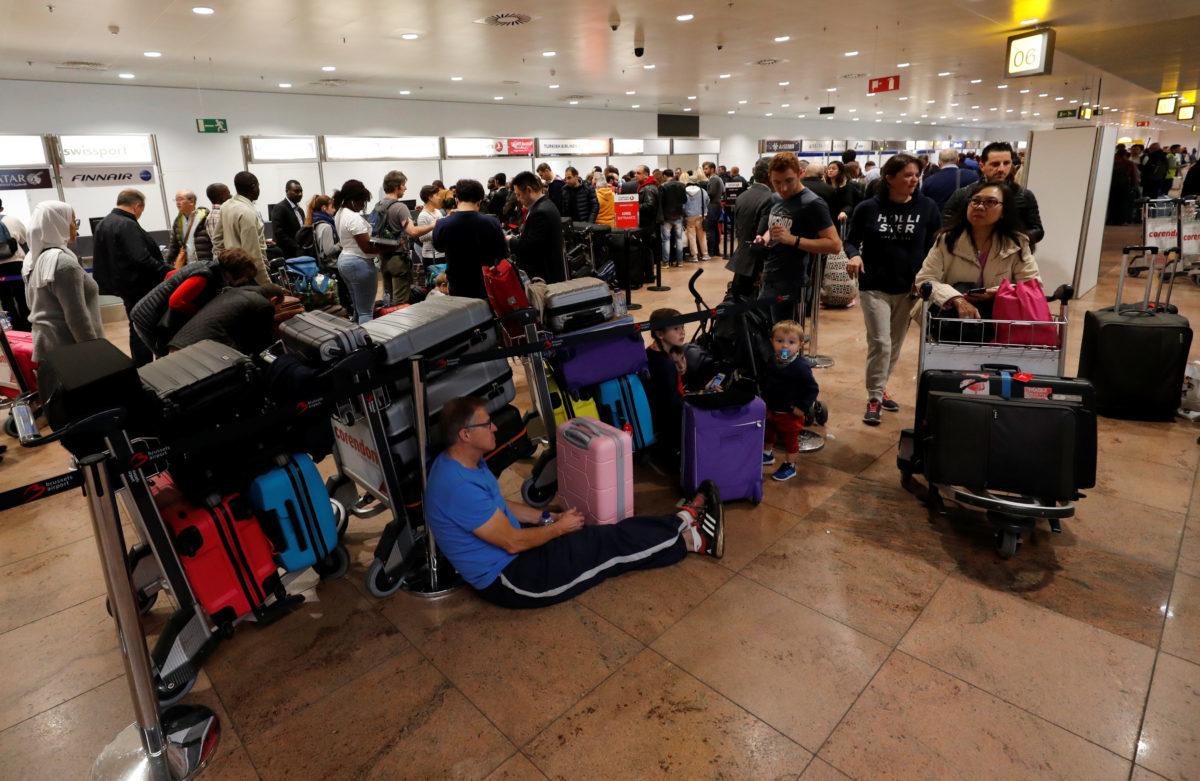 Χαμός στο αεροδρόμιο των Βρυξελλών – Ακυρώθηκαν 150 πτήσεις