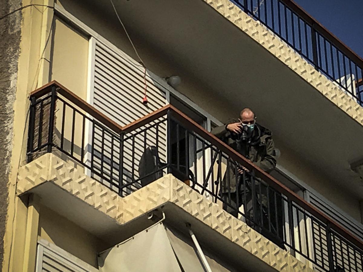 """Προφυλακιστέος ο αστυνομικός για την """"περίεργη"""" υπόθεση στη Νίκαια – Δέθηκε και ξυλοκοπήθηκε από Πακιστανούς"""