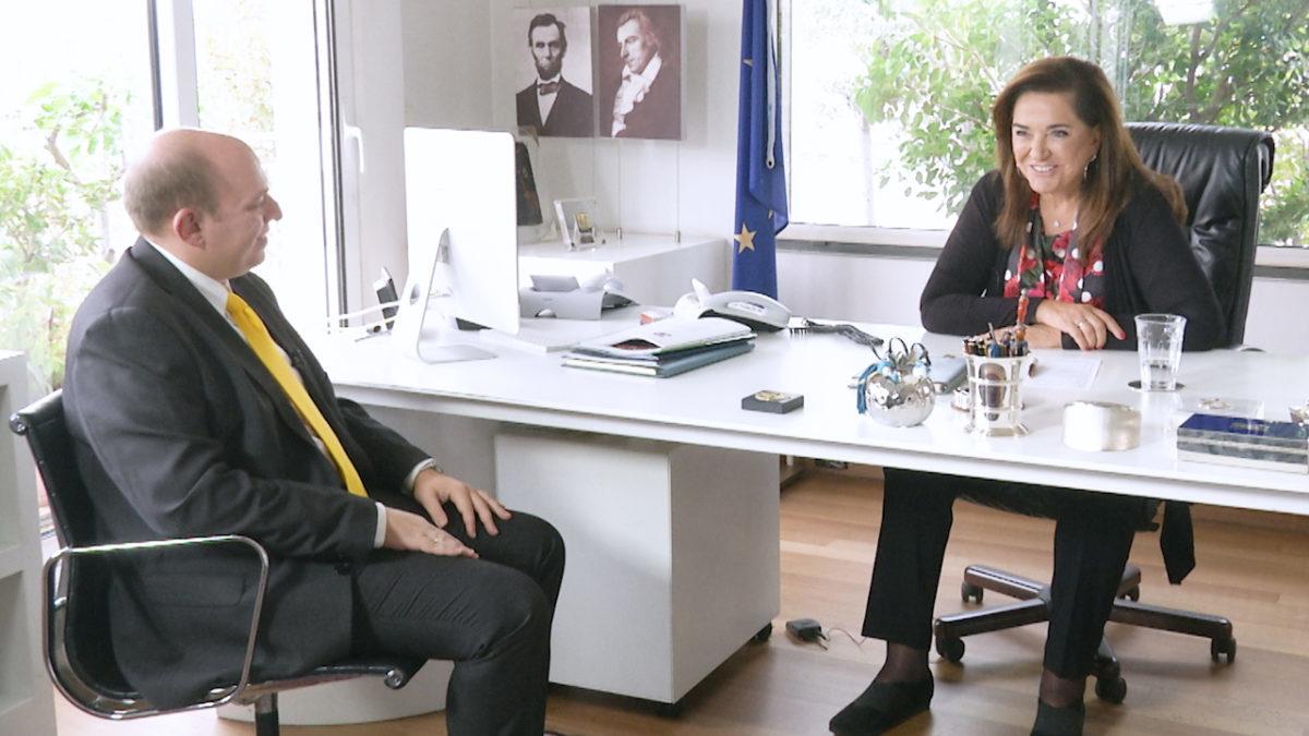 Μπακογιάννη στο newsit.gr: «Ο Καμμένος έδωσε το στυλό στον Κοτζιά για να υπογράψει στις Πρέσπες»