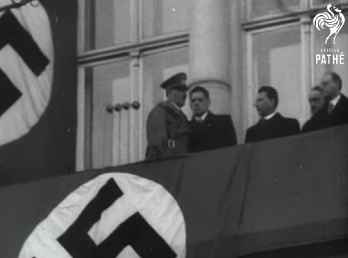 Χίτλερ… out! Απαιτούν κατεδάφιση του ιστορικού μπαλκονιού στην Αυστρία! video, pics
