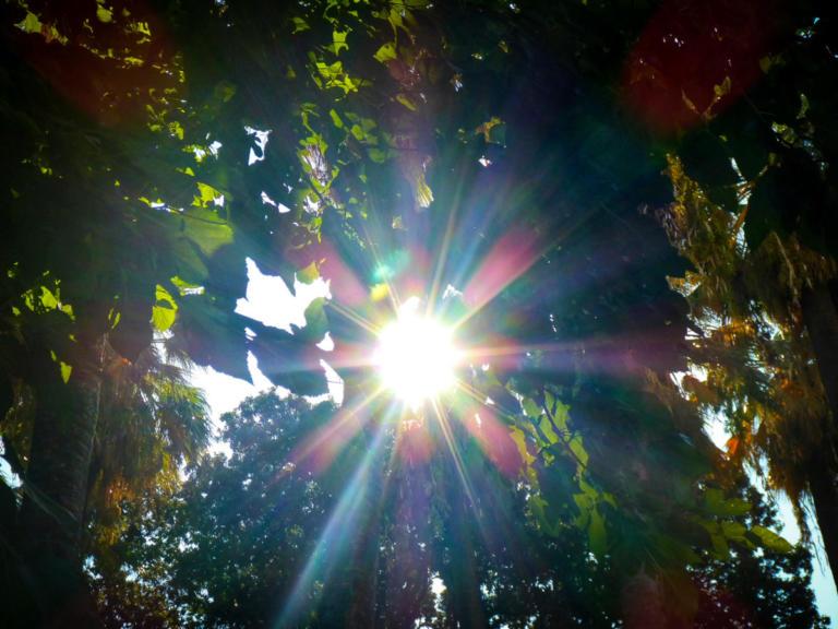 """Καιρός σήμερα: Συνεχίζεται το """"μίνι"""" καλοκαίρι"""