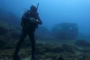 Νεκροταφείο αυτοκινήτων ο βυθός της θάλασσας στα Λεγραινά [pics]