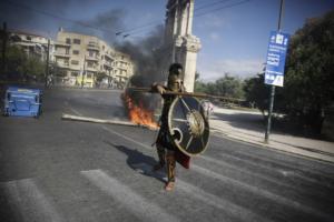 """Επεισόδια: """"Τρέλα"""" με τον… Λεωνίδα στους Στύλους του Ολυμπίου Διός! [pics]"""