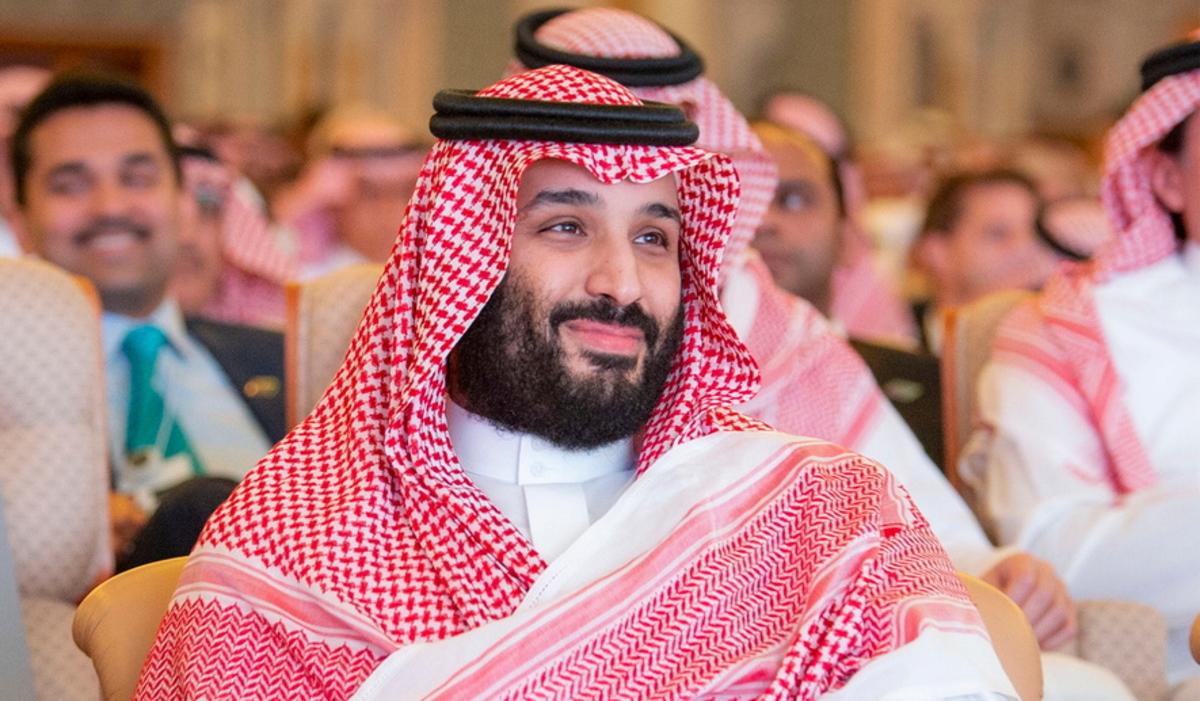 Κασόγκι: Δεν... χαλά τη ζαχαρένια του ο πρίγκιπας - Χαμογελαστός στο φόρουμ στο Ριάντ και με διάθεση για selfie