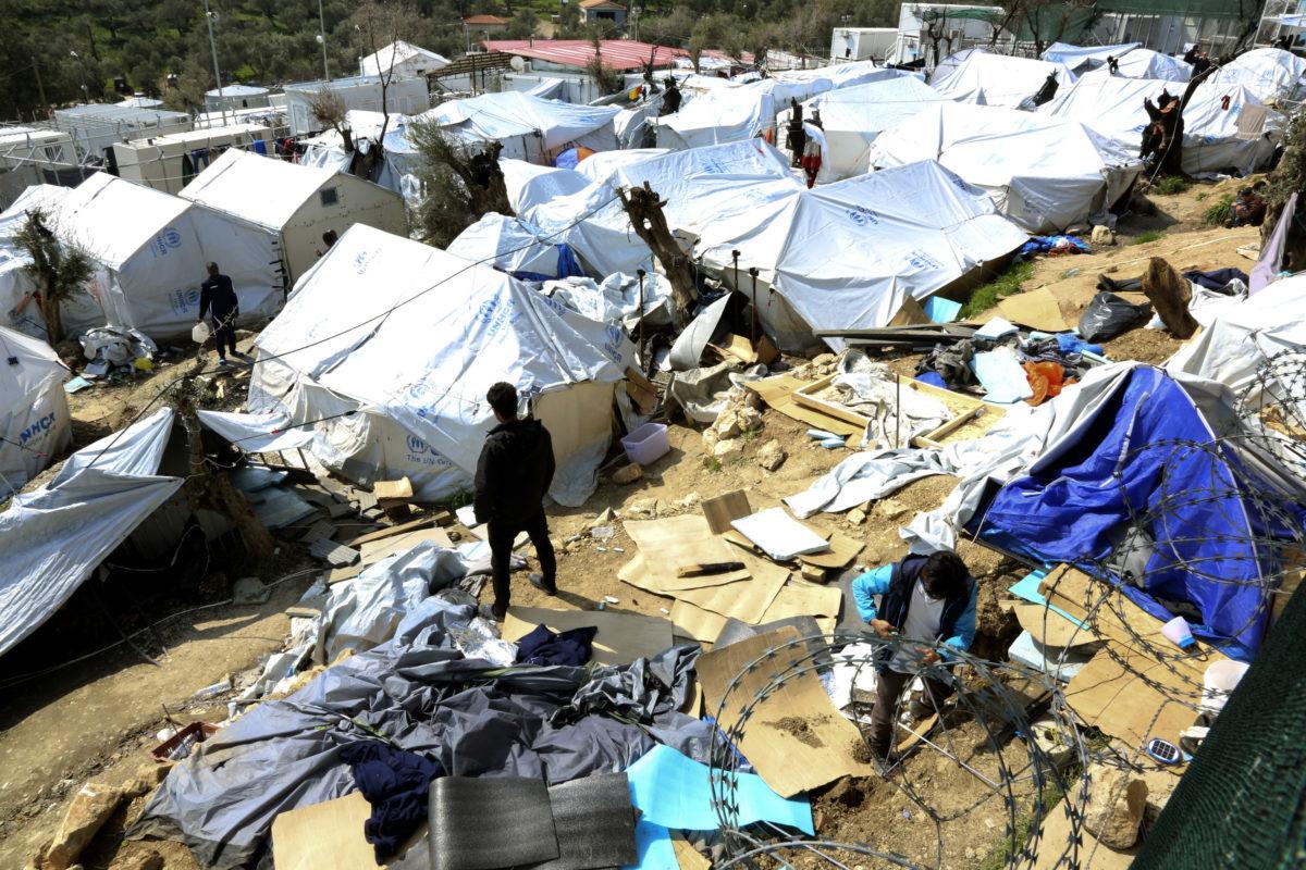 «Πόλεμος» Βίτσα – Ηλιόπουλου για το προσφυγικό – Νέες καταγγελίες για τη διαχείριση των κονδυλίων