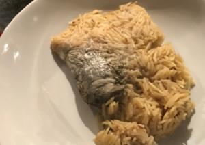 """Βρήκε ποντίκι στο ρύζι του! """"Η γυναίκα μου κάνει εμετό ανεξέλεγκτα""""! Σοκαριστική φωτογραφία"""