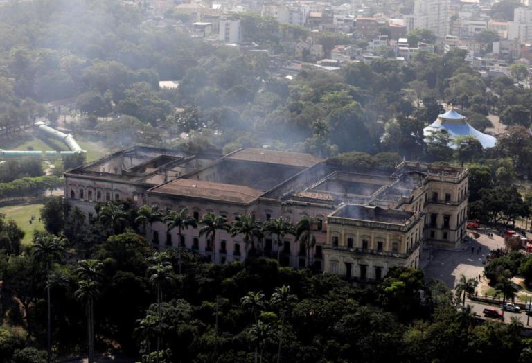 """Το κρανίο της """"Λουτσία"""" βρέθηκε στα αποκαΐδια του Εθνικού Μουσείου της Βραζιλίας"""