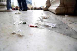Τραγική η κατάσταση με τα ναρκωτικά στην Αθήνα – Απογοητευτικά τα ευρήματα έκθεσης