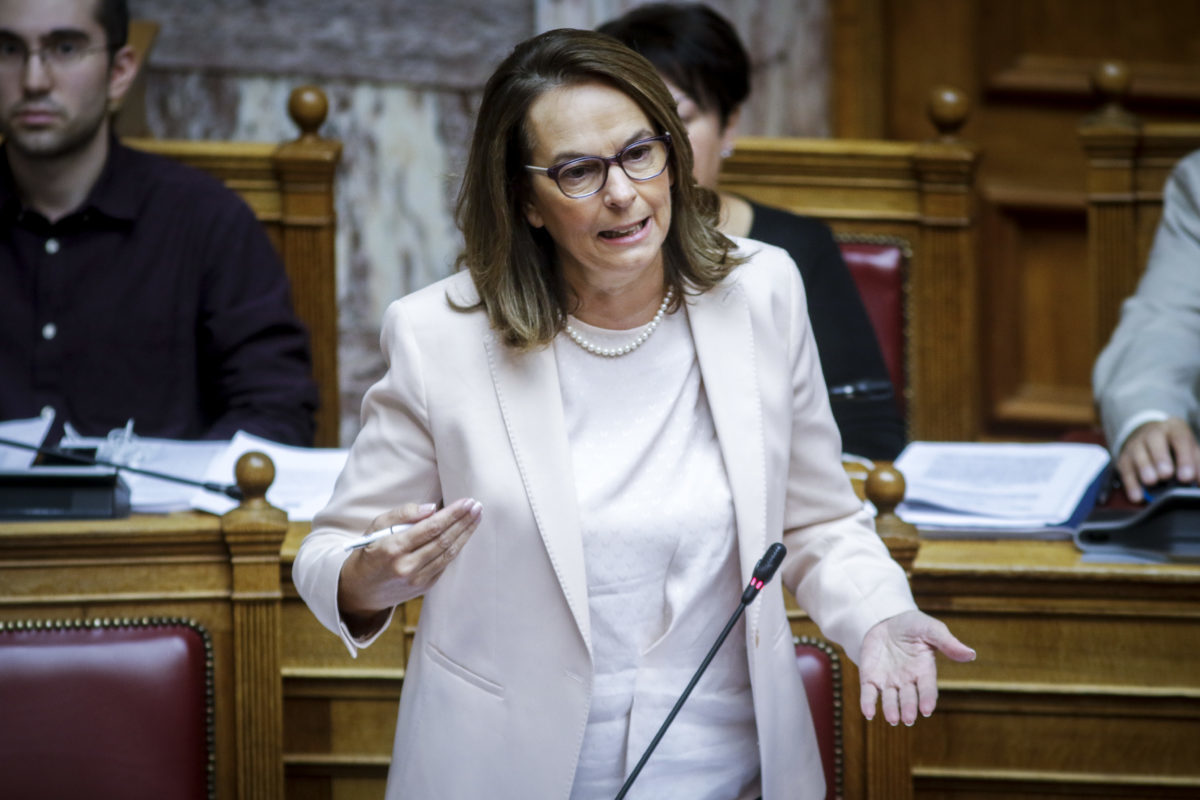 Ψηφίστηκε η διάταξη για άμεση επιστροφή φόρου εισοδήματος ή ΦΠΑ μέχρι 10.000 ευρώ