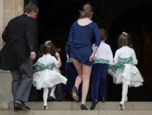 Βασιλικός γάμος με σέξι ατύχημα και παρανυφάκια που τα πήρε… ο αέρας! Pics – Video