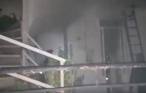 Νύχτα θρίλερ στην Πάτρα με άνδρα σε φλεγόμενο διαμέρισμα – Τι υποστηρίζει [pics]