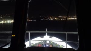 Σύρος: Η μανούβρα και το ταξίδι του πλοίου στα 10 μποφόρ – Ο καπετάνιος που ξέρει καλά από δυσκολίες – video